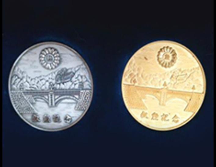 純金メダル、純銀メダル
