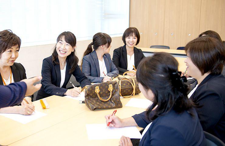 女性スタッフ多数